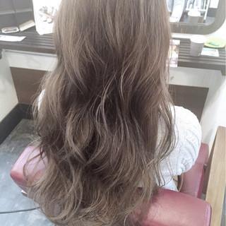 ブルージュ ロング フェミニン 大人かわいい ヘアスタイルや髪型の写真・画像