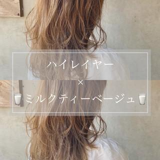 レイヤーロングヘア ヘアアレンジ セミロング ナチュラル ヘアスタイルや髪型の写真・画像