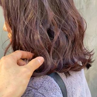 インナーカラー ミニボブ ピンクベージュ ナチュラル ヘアスタイルや髪型の写真・画像