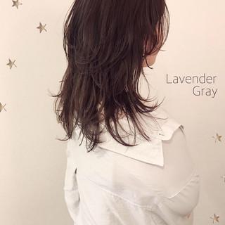 ストリート ニュアンスウルフ ラベンダーグレージュ ゆるナチュラル ヘアスタイルや髪型の写真・画像