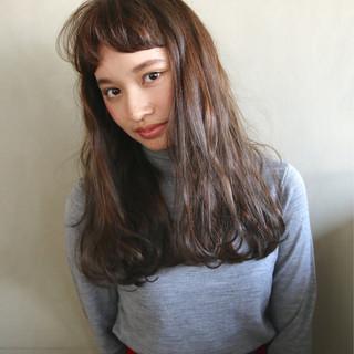 外国人風 ラフ ナチュラル パーマ ヘアスタイルや髪型の写真・画像