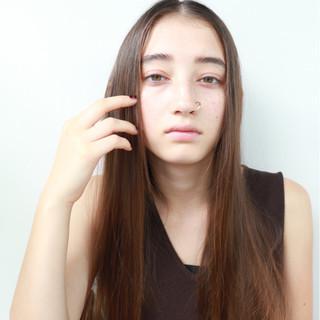 ベージュ ストレート 秋 大人かわいい ヘアスタイルや髪型の写真・画像