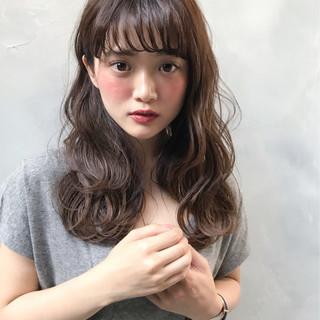 ヘアアレンジ シースルーバング フェミニン 前髪あり ヘアスタイルや髪型の写真・画像