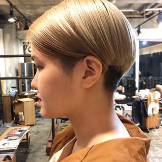 透明感カラー ショート ミルクティーベージュ ナチュラル ヘアスタイルや髪型の写真・画像