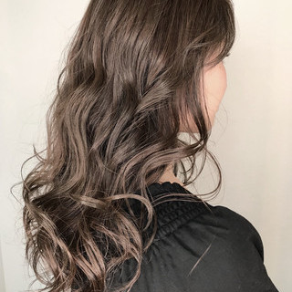 アッシュ 外国人風カラー ロング ハイライト ヘアスタイルや髪型の写真・画像 ヘアスタイルや髪型の写真・画像