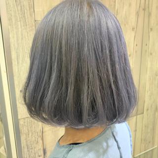 アンニュイほつれヘア ボブ アッシュベージュ ホワイトグレージュ ヘアスタイルや髪型の写真・画像