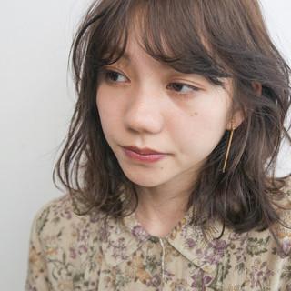 パーマ ニュアンス ミディアム モード ヘアスタイルや髪型の写真・画像 ヘアスタイルや髪型の写真・画像