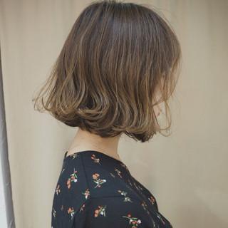 切りっぱなし リラックス デート イルミナカラー ヘアスタイルや髪型の写真・画像