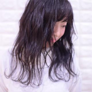 アンニュイほつれヘア 簡単ヘアアレンジ フェミニン セミロング ヘアスタイルや髪型の写真・画像