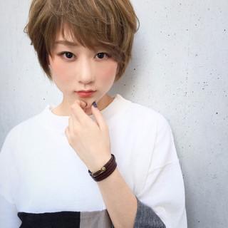 アッシュ ショート パーマ レイヤーカット ヘアスタイルや髪型の写真・画像