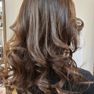 大人かわいい セミロング 巻き髪 ゆる巻き ヘアスタイルや髪型の写真・画像