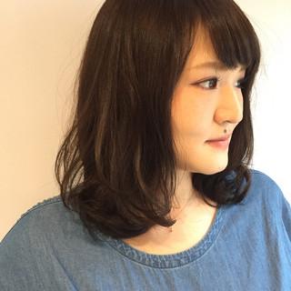 ミディアム 大人かわいい ナチュラル パーマ ヘアスタイルや髪型の写真・画像