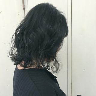 アッシュグレージュ ストリート ミディアム 暗髪 ヘアスタイルや髪型の写真・画像