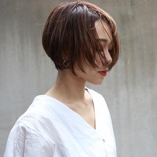 バレイヤージュ ベージュ ナチュラル ショート ヘアスタイルや髪型の写真・画像