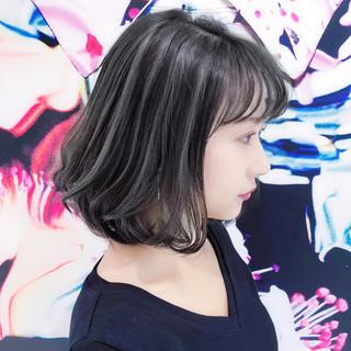 ミディアムレイヤー ミディアム デート ガーリー ヘアスタイルや髪型の写真・画像