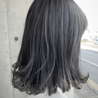 ミディアム グレーアッシュ グラデーションカラー グレー ヘアスタイルや髪型の写真・画像 ヘアスタイルや髪型の写真・画像