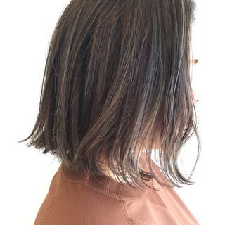 切りっぱなし イルミナカラー 外国人風 グレージュ ヘアスタイルや髪型の写真・画像