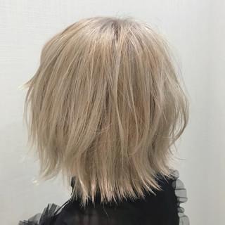 ブリーチ ストリート ミルクティーベージュ ホワイト ヘアスタイルや髪型の写真・画像