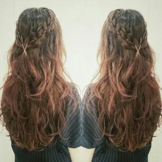 四つ編み フェミニン ヘアアレンジ ロング ヘアスタイルや髪型の写真・画像 ヘアスタイルや髪型の写真・画像