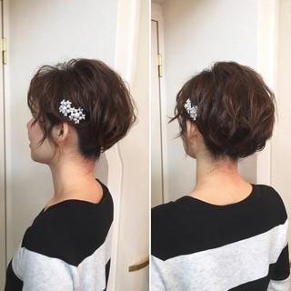 アップスタイル ヘアアレンジ ショート フェミニン ヘアスタイルや髪型の写真・画像 ヘアスタイルや髪型の写真・画像