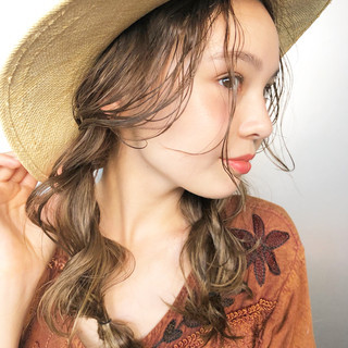 波ウェーブ 簡単ヘアアレンジ あざと毛 セミロング ヘアスタイルや髪型の写真・画像