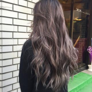 外国人風 ストリート グラデーションカラー インナーカラー ヘアスタイルや髪型の写真・画像