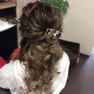 ナチュラル ヘアアレンジ セミロング 編み込みヘア ヘアスタイルや髪型の写真・画像