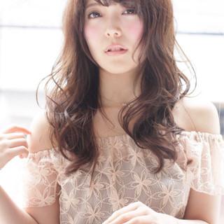 外国人風 レイヤーカット ナチュラル 大人かわいい ヘアスタイルや髪型の写真・画像