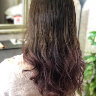ブリーチカラー エレガント ロング ベリーピンク ヘアスタイルや髪型の写真・画像