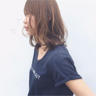 アンニュイ すっきり ミディアム レイヤーカット ヘアスタイルや髪型の写真・画像