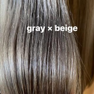 グレージュ ナチュラル ブリーチカラー ミルクティーグレージュ ヘアスタイルや髪型の写真・画像