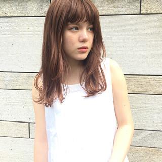ウェットヘア ウェット感 簡単スタイリング セミロング ヘアスタイルや髪型の写真・画像