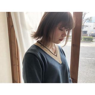 ショートボブ ミルクティーアッシュ ナチュラル ショート ヘアスタイルや髪型の写真・画像
