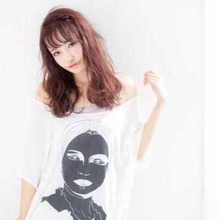ガーリー フェミニン セミロング デート ヘアスタイルや髪型の写真・画像