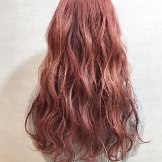 ピンクラベンダー カジュアル ハイトーンカラー ガーリー ヘアスタイルや髪型の写真・画像