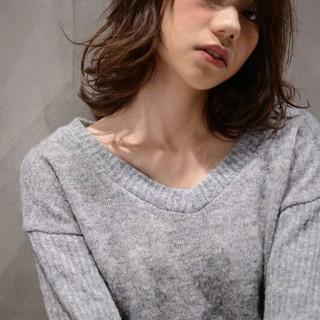 パーマ ミディアム 暗髪 ストリート ヘアスタイルや髪型の写真・画像