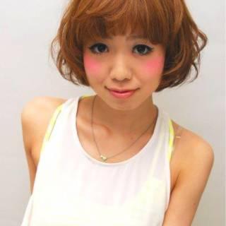 ハイトーン 卵型 ショート 大人かわいい ヘアスタイルや髪型の写真・画像