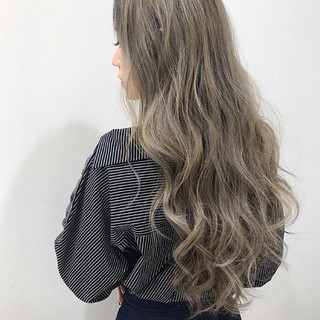 ハイトーン エレガント 外国人風 上品 ヘアスタイルや髪型の写真・画像