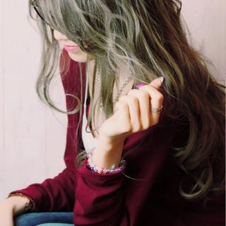 グラデーションカラー ロング ゆるふわ ストリート ヘアスタイルや髪型の写真・画像