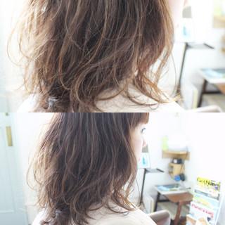 フェミニン パーマ ロング 大人かわいい ヘアスタイルや髪型の写真・画像