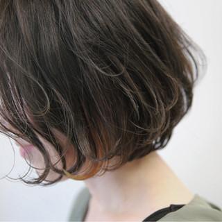 大人女子 グレージュ ボブ インナーカラー ヘアスタイルや髪型の写真・画像