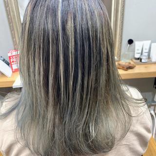 グレーアッシュ グレージュ アッシュベージュ ストリート ヘアスタイルや髪型の写真・画像