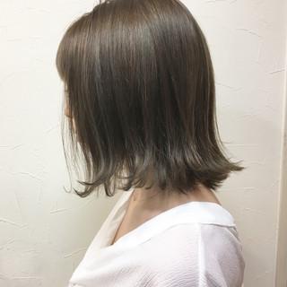 アッシュ ナチュラル ボブ グレージュ ヘアスタイルや髪型の写真・画像