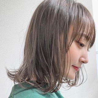 ナチュラル ミディアム デート ウェーブ ヘアスタイルや髪型の写真・画像