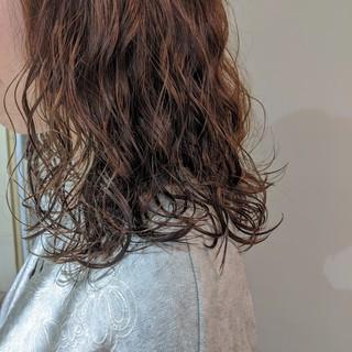 ナチュラル 無造作パーマ デジタルパーマ ゆるふわパーマ ヘアスタイルや髪型の写真・画像