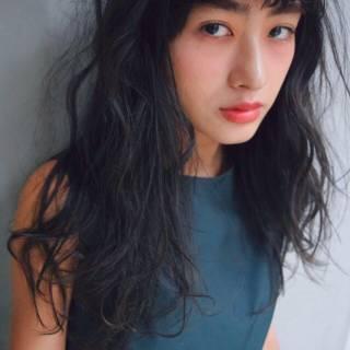 ナチュラル 黒髪 ロング シースルーバング ヘアスタイルや髪型の写真・画像