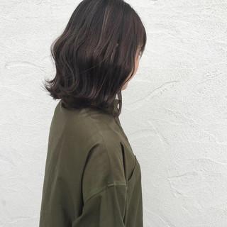外国人風カラー ロブ ナチュラル オリーブアッシュ ヘアスタイルや髪型の写真・画像
