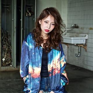 ストリート 丸顔 セミロング 外国人風 ヘアスタイルや髪型の写真・画像
