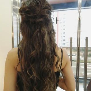 結婚式 ハーフアップ フェミニン ハイライト ヘアスタイルや髪型の写真・画像 ヘアスタイルや髪型の写真・画像