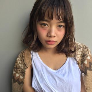 フェミニン ウェーブ 透明感 ナチュラル ヘアスタイルや髪型の写真・画像